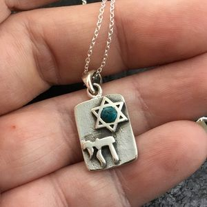 Jewelry - Natural green turquoise Tibetan pendant and chain